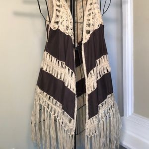 Umgee Women's brown and cream fringe duster